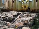 ce qui restait de la crèche et l'autel