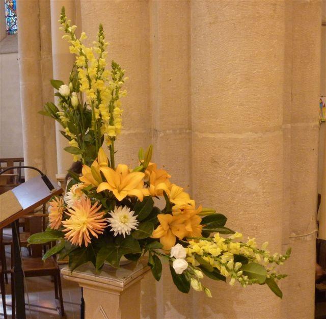 Decoration eglise pour premiere communion for Decoration eglise